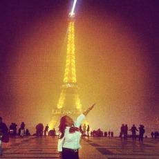 LIZZIE G in Paris